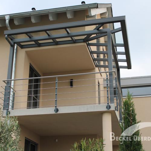Terrassenueberdachung In Silbergrau inkl. Dachüberstand