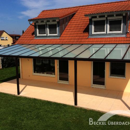 Maßgeschneiderte Terrassenueberdachungen